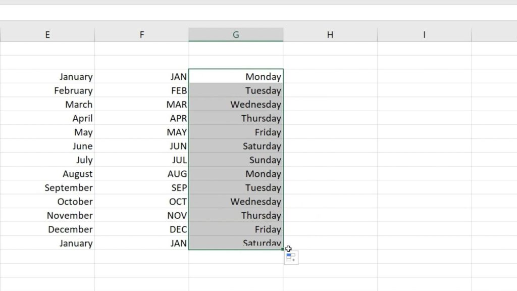 How to Use AutoFill in Excel - automatically filled names of days in Excel